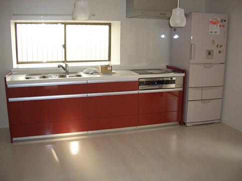 赤い快適キッチン