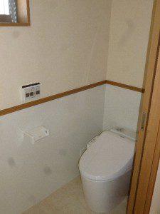 レンガ風の外壁がお洒落な家 トイレ